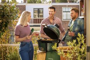 Webversion-City_Balcony_SpringSummer_MiniMax_BigGreenEgg
